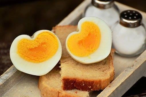 """""""ไข่แดง"""" ดีต่อหัวใจ สมอง และสองตา"""